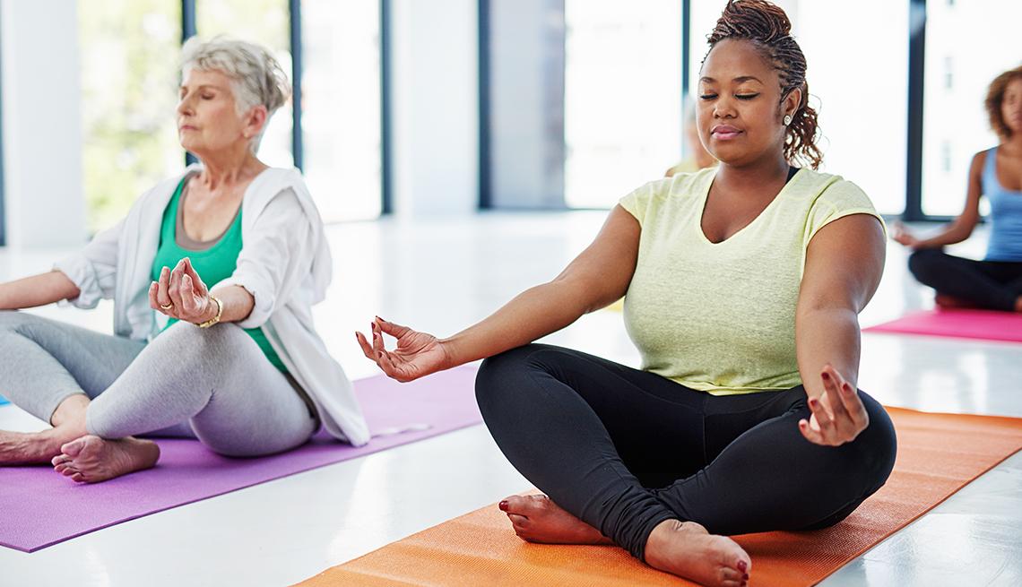 1140-7-ways-to-ease-into-yoga-.imgcache.revad8a05994173e25b4c8d88f1c8de4d15